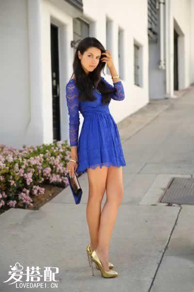 宝石蓝连衣裙搭配