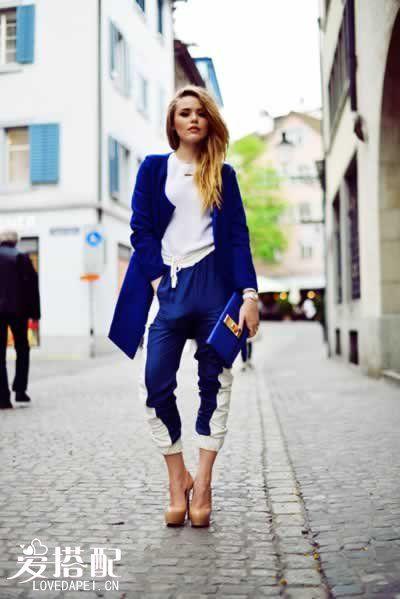 宝石蓝裤子搭配
