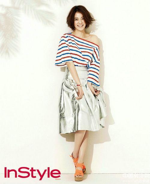 高娜恩夏季写真 演绎休闲时尚风情
